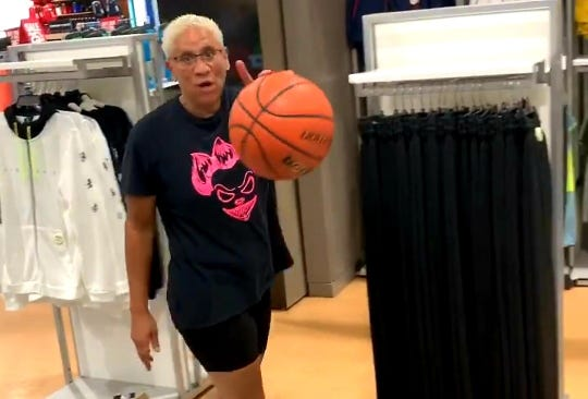 "LISTEN: ""Auntie""Chantel Tremitiere, Auburn grad and former WNBA player turned viral trick-shot artist, joined The Game Plan!"