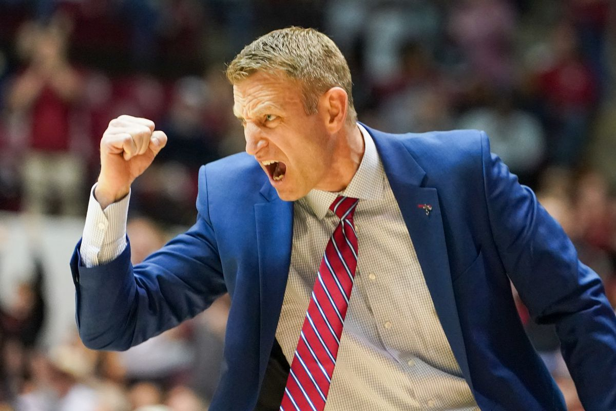 LISTEN: How has Alabama become the best basketball team in the SEC? Head coach Nate Oats fills you in!