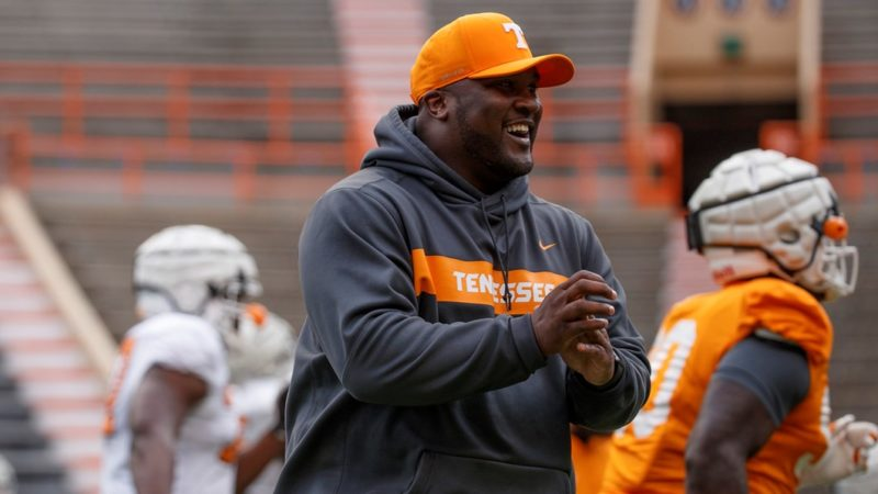 LISTEN: Tee Martin sheds light on the Tennessee football program and says what it means to have his son playing in the Senior Bowl!
