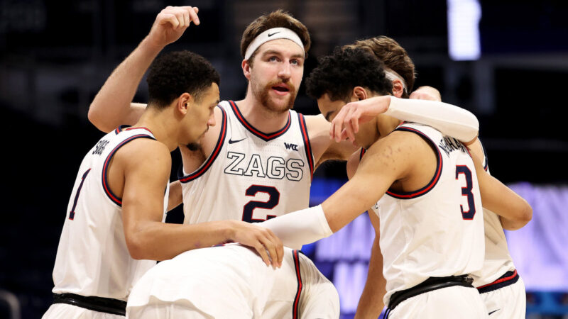 LISTEN: Tom Hudson, voice of Gonzaga, breaks down the Bulldogs' historic season!